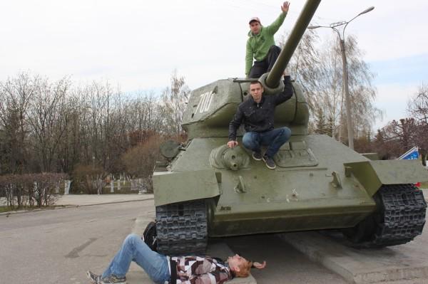 Военная техника в парке Победы Чебоксар