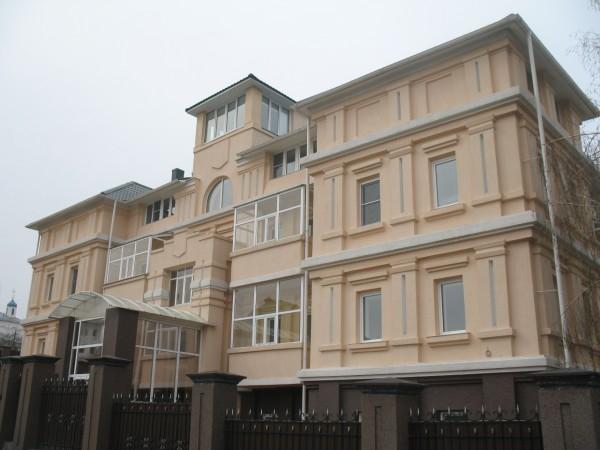 Непонятное здание в Чебоксарах