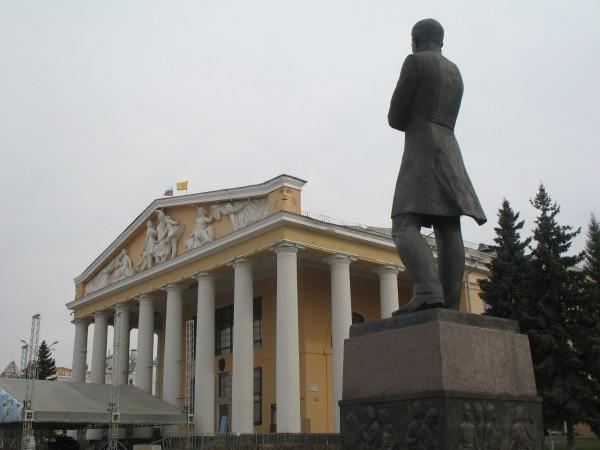 Драмтеатр и Константин Иванов