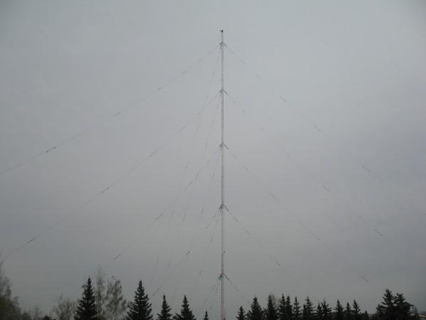 Антена рядом с Парком Победы в Чебоксарах