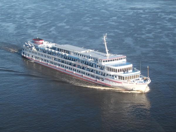 Вид из кабинки. Корабль