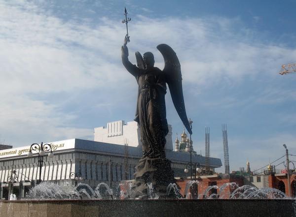 Фонтан-памятник Архангел Гавриил