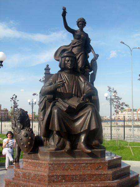 Памятник Лоренцо де Медичи в Йошкар-Оле