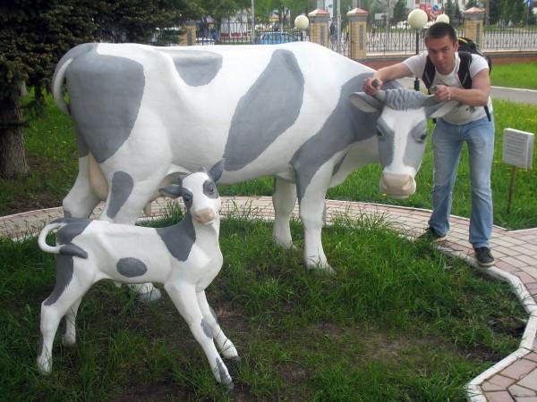 Памятник корове в Йошкар-Оле