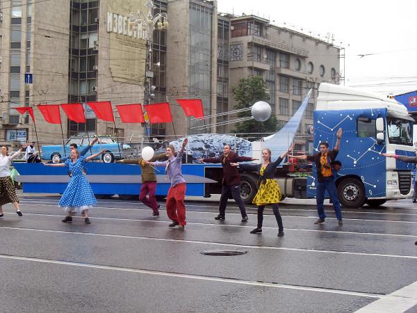Эпоха советской космонавтики на параде округов