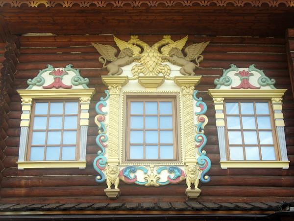 Деревянный царский доврец в Коломенском. Новодел