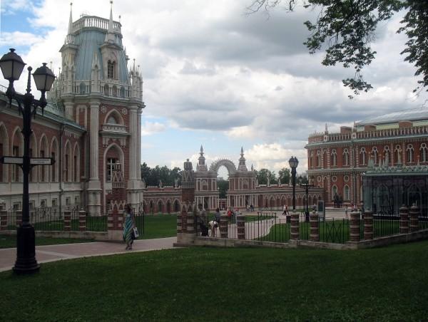 Вид на Большой дворец сзади