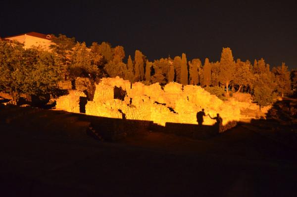 Амфитеатр ночью