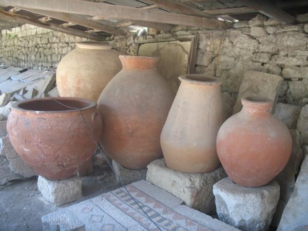 Древнегреческие кувшины в Херсонесе