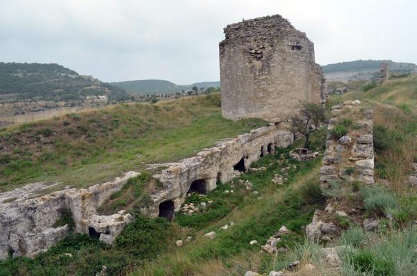 Древняя крепость Каламита в Инкермане. Фрагменты стен