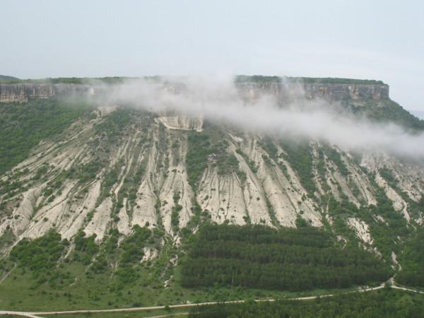 Вид со смотровой площадки в Чуфут-Кале