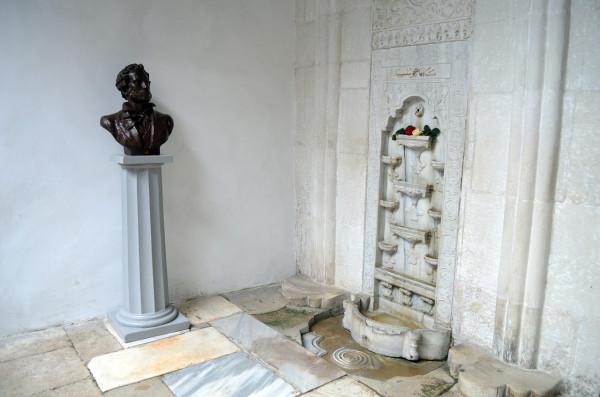 Бахчисарайский фонтан в ханском дворце