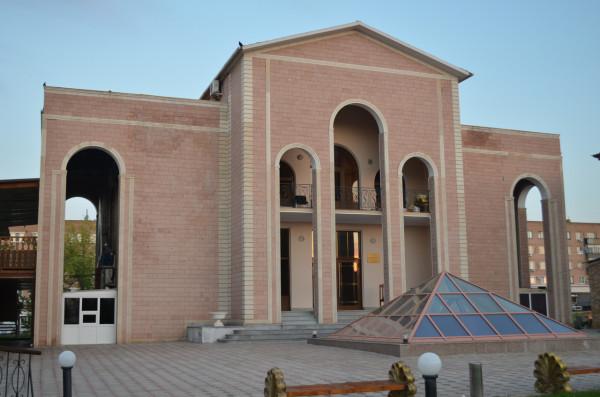 Армянское подворье в Национальной деревне в Оренбурге