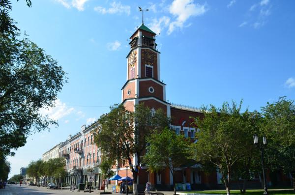 Башня с часами в Оренбурге