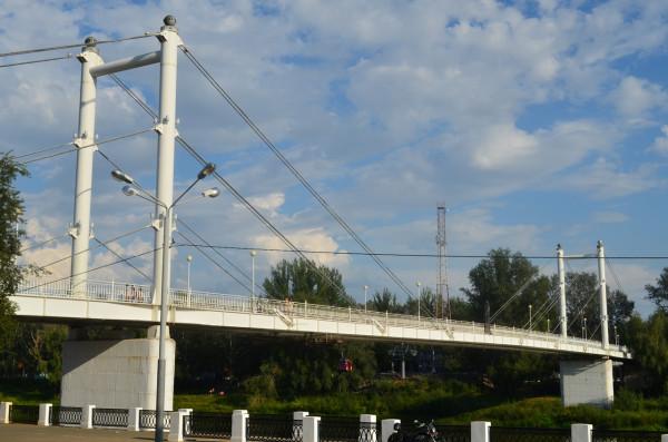 Мост Европа-Азия через Урал в Оренбурге