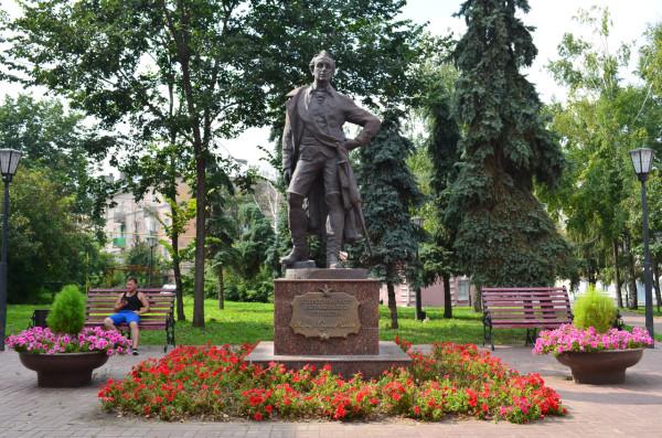 Памятник Суворову в Ульяновске