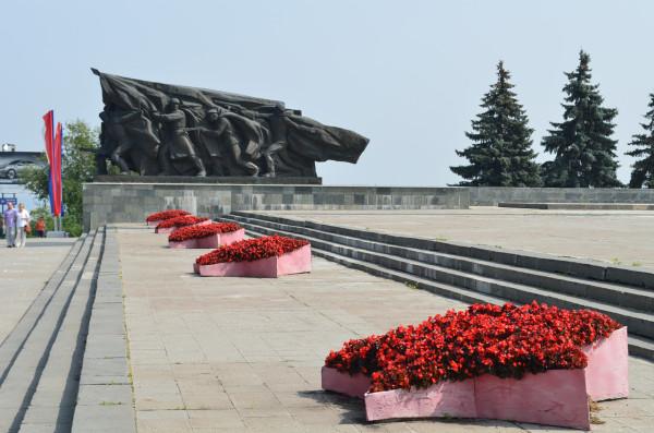 Памятник воинам победителям в Ульяновске