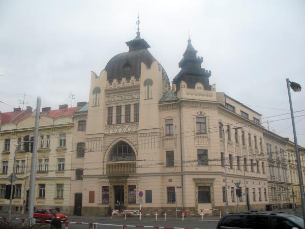 Здание в стиле модерн в Градец Кралове