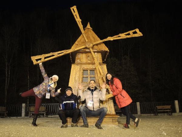 Мельница в национальной деревне рядом с Роза Хутор