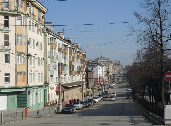 Пустые просторные улицы Перми