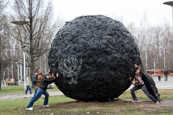 Памятник навозному жуку в Перми