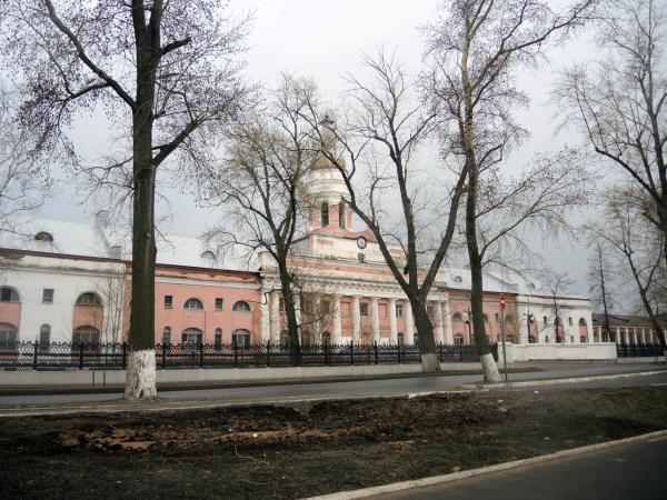 Бывшая проходная ижевского оружейного завода