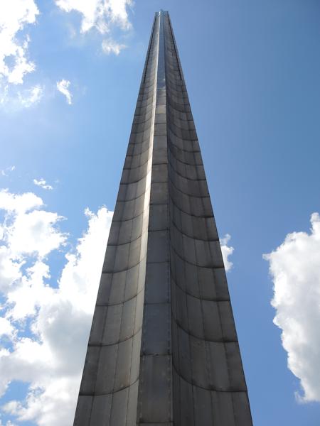Штык-обелиск в Брестской крепости