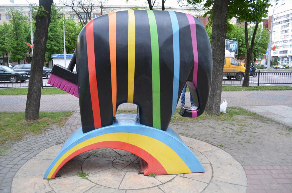 Радужный слон в Бресте