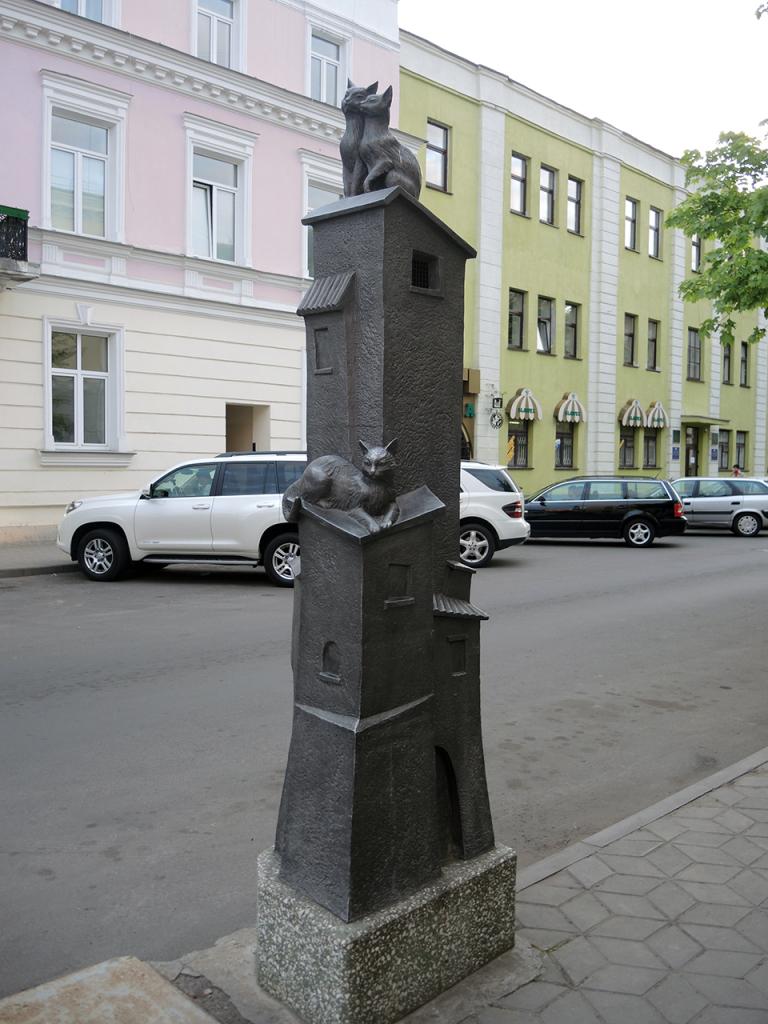 Скульптура Кошкин дом в Бресте