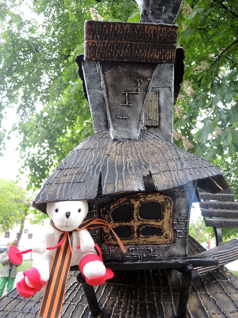 Аллея литературных фонарей на улице Гоголя в Бресте. Вечера на хуторе близ Диканьки